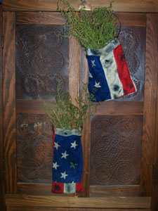 OLDe FLaG PoUCh